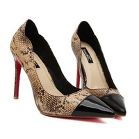 Stylish Women's Pumps With Splicing and Snake Print Design