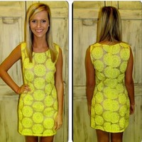 Super cute, yellow daisy dress