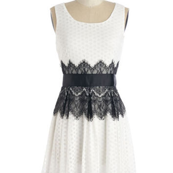 ModCloth Vintage Inspired Mid-length Sleeveless A-line Outstanding Ovation Dress
