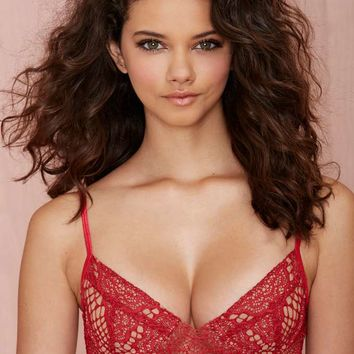 SKIVVIES Bat Your Lashes Lace Bralette - Red