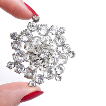 Weiss Rhinestone Brooch - Vintage 1950s Silver Tone Signed Designer Costume Jewelry  / Shiny Dome
