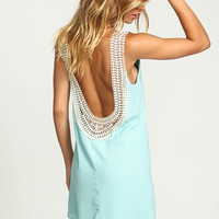 MINT CROCHET SCOOPBACK SHIFT DRESS