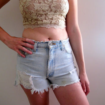 Shredded And Distressed Levis Shorts Levi Blue Jean Denim Womens Summer High Waist Waisted Ripped Size 27 28 3 4 5