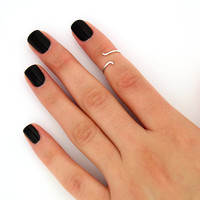 sterling silver knuckle ring Plain simple twisted wire snake design above knuckle ring adjustable midi ring also toe ring (T-37)