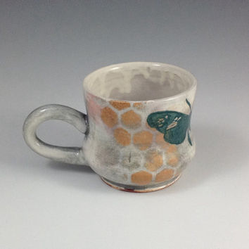 The bee and the butterfly Mug