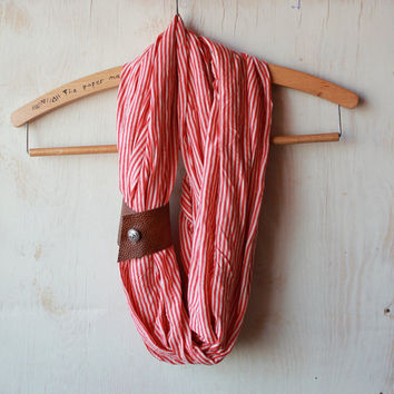 Sailor queen scarf with leather loop