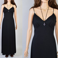 1970s Black Goddess Dress / Vintage Maxi Dress / Sexy Silhouette / Witchy Woman / Size Small