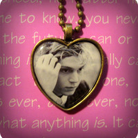 Evan Peters American Horror Story Coven (Tate Langdon Kyle Spencer) pendant necklace