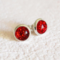 Tiny red stud earrings - round glass cabochon and glitters 1 cm