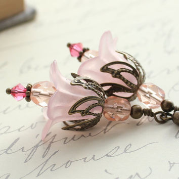 Pale Pink Earrings, Pink Flower Earrings, Soft Pastel Pink, Vintage Style Jewelry, Shabby Chic Earrings, Romantic, Floral Accessories