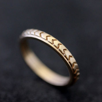 Chevron Wedding Band in 14k Yellow Gold, Triangle Pattern in Recycled 14k Yellow Gold
