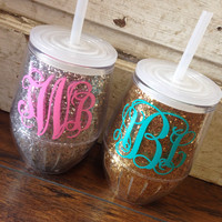 10 OZ. MONOGRAMMED STEMLESS WINE GLASS WITH LID & STRAW - GLITTER