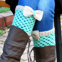 Vanilla Green Short Knit Boot Cuffs with bow. Short Leg Warmers. Crochet Boot Cuffs. Bow boot cuffs. Bow Accessory