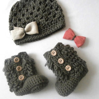 Baby Girl Clothes, Crochet Baby Booties, Hat and Bootie Set,