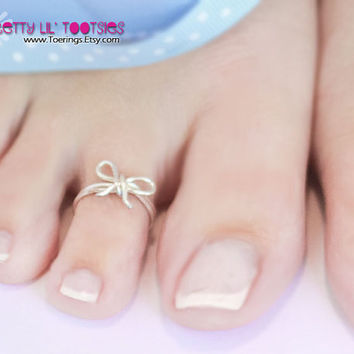 Sterling Silver Bow Toe Ring by wirewrap on Etsy
