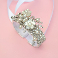 Floral Crystal & Pearl Bracelet / by spoiledpretty
