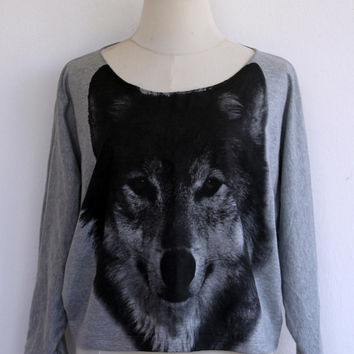 Wolf sweatshirt,Wolf sweater,Wolf Printed on Pullover Oversize style Bat Style Half Body In Gray