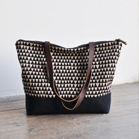 ZIP TOTE  triangle by bookhouathome on Etsy