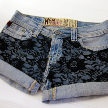 Hipster laced denim shorts