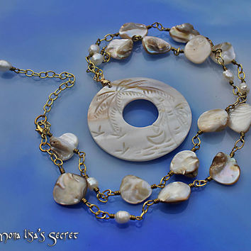 Long Seashell Necklace, Wire Wrapped Necklace, Cream Mother of Pearl Necklace, Organic Jewelry, Beach Style Jewelry, Mother of Pearl Jewelry