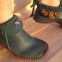 Inca Moccasin With 3 to 5 Leaves by TreadLightGear on Etsy