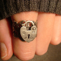Heart Lock Ring in Antique Silver (477)