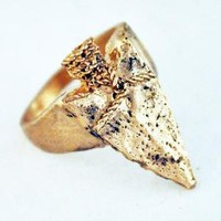 Supermarket - spearhead ring from Lillian Crowe made in New York City