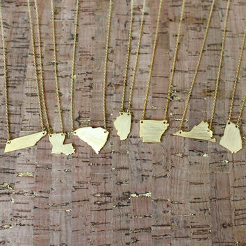 Gold State Solid Necklace