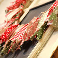 Fabric Garland Vintage Holiday Approx 6 Feet Holiday by oldchateau