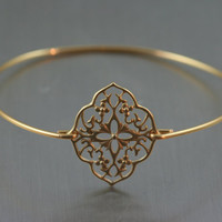 French love Gold flower filigree bangle