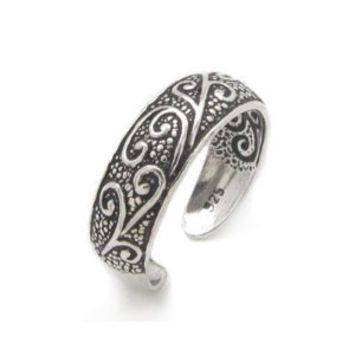 Antiqued Sterling Silver Toe Ring with Flourishing Vines