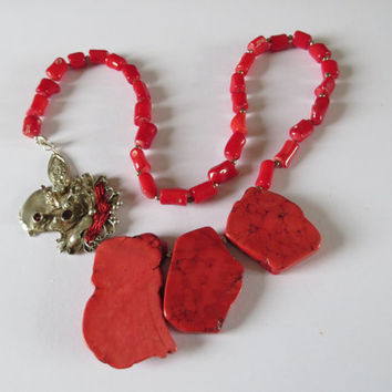 Red agate and bloodcoral statement Necklace - silver unique clasp with granat silk and quarts-stones - Boho jewelry -