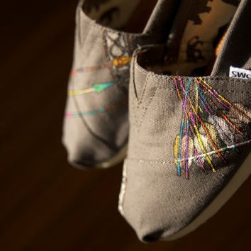 Aztec Arrows Custom TOMS Shoes  Limited Edition  Size 9 by shandke