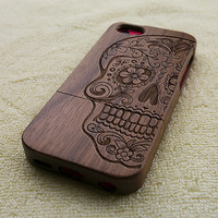 Wood iPhone case, wood iPhone 5C case, wooden iPhone 5C case, floral skull, laser engraving, real wood, wooden iPhone case, W3004