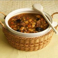 """The Unofficial Hunger Games Cookbook: From Lamb Stew to """"Groosling"""" - More than 150 Recipes Inspired by The Hunger Games Trilogy (Unofficial Cookbook)"""