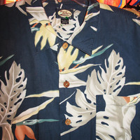 Amazing Vintage Hawaiian Shirt TOMMY BAHAMA Tropical Leaves  Size L  Very Collectible Made in Hong Kong !
