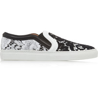 Givenchy - Skate shoes in black and white leather with contrasting lace