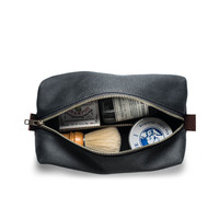Waxed Canvas Dopp Kit in Black - OS / Black / 122AA08TODD