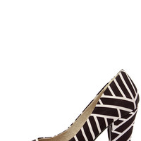 BC Footwear Penthouse Black and White Print Pumps