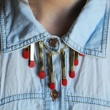 Handmade leather matches charm necklace in gold and red / N2