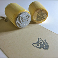 """Small Black Cat Rubber Stamp - Round 3/4"""" or 2.2cm on Reclaimed Wood Mount"""
