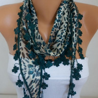 ON SALE - 50% OFF - Emerald Green Leopard Scarf - Cotton Scarf - Shawl - Cowl with Lace Edge - fatwoman