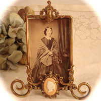 Antique VICTORIAN STYLE FRAME Brass Easel Back Frame Ornate Art Nouveau Scrolls & Cameo Accent 4x3