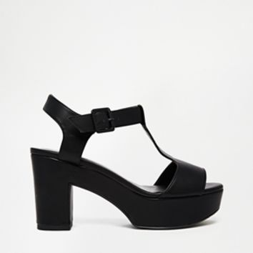 New Look Wide Fit Tincy Black Mid Heeled Sandals