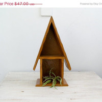 Wood House Shelf unit, Rustic pot holder, Wall shelf, 70s Hanging shelf, Cottage chic, kitchen display, Patio decoration, Spring