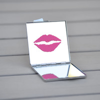 Hot pink lips | Unique Bachelorette party favor, birthday gift, ladies night out, wedding party gift, bridal party gift, bridesmaid gift