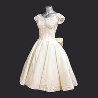 1950s dress / Vintage 50's Emma Domb Lace Tulle Full Skirt Wedding Dress