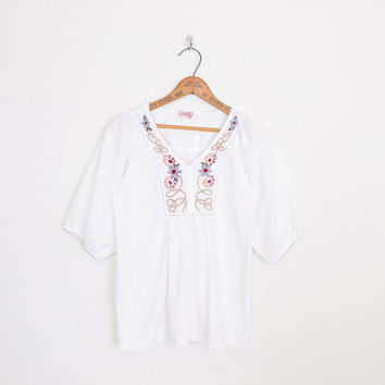 mexican embroider blouse, white mexican embroider top, embroider tunic top, peasant blouse, peasant top, 70s hippie top, 70s boho top, s m