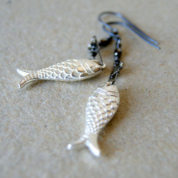 Silver Fish Earrings - vintage Lucite Fish - black swivel snaps - nautical jewelry - Nautical Fashion - gift for Pisces