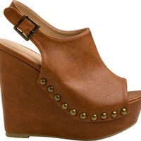 CHIC STUDDED WEDGE